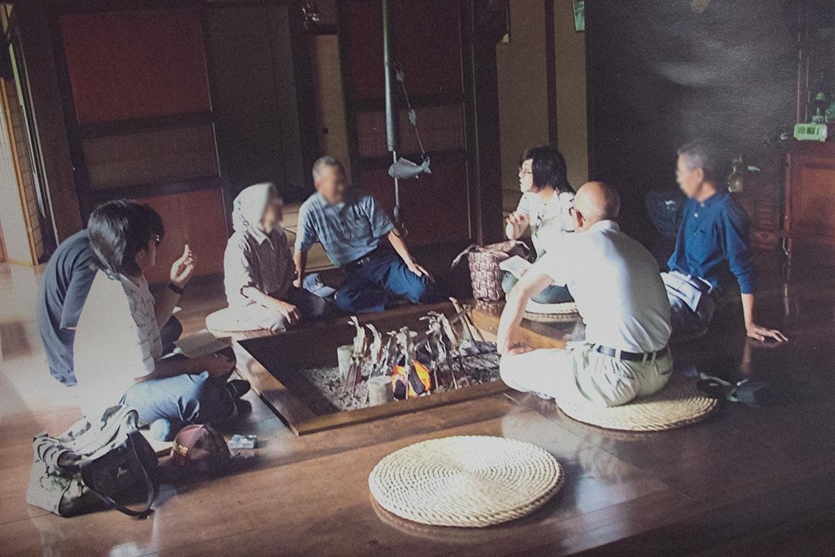 弘前大学の学生たちと、新郷村でフィールドワーク