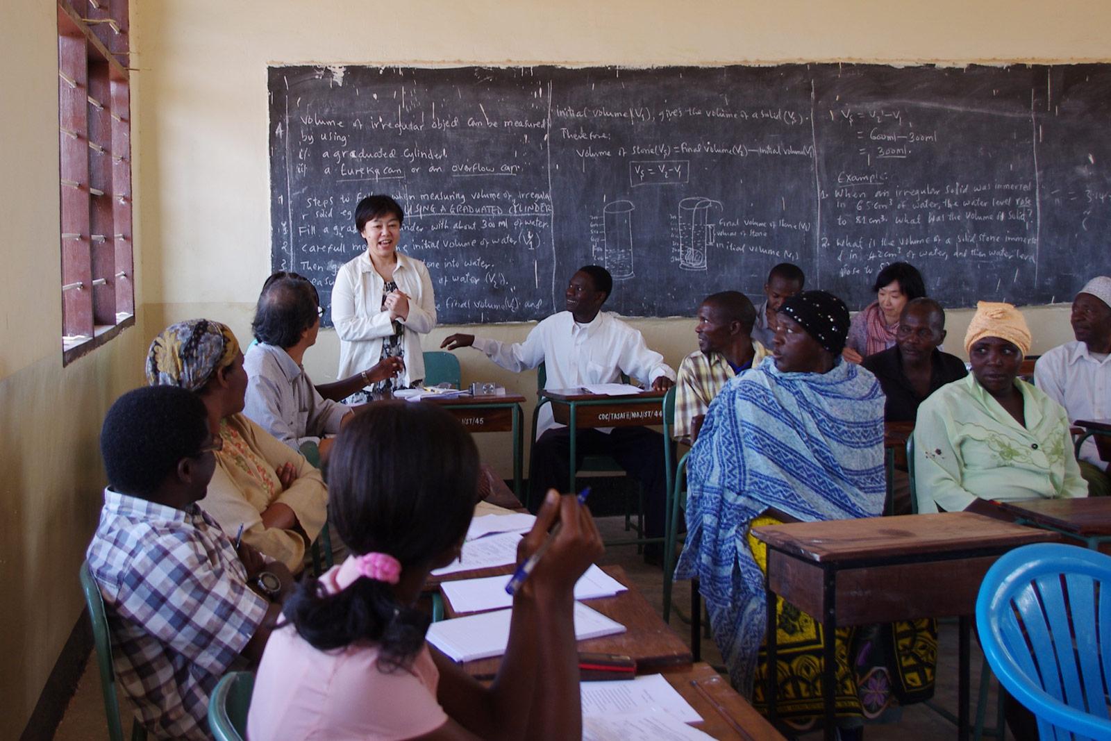2014年 タンザニアのドドマ村落でのワークショップ