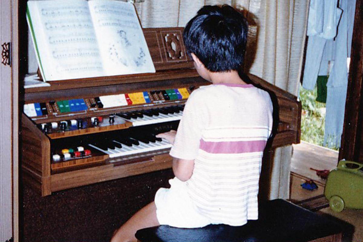 小学生の頃の電子オルガン練習風景